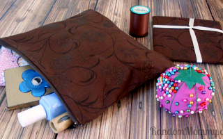 My First Sewing Project – a Zipper Pouch!