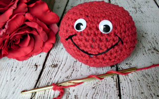 crochet smiley
